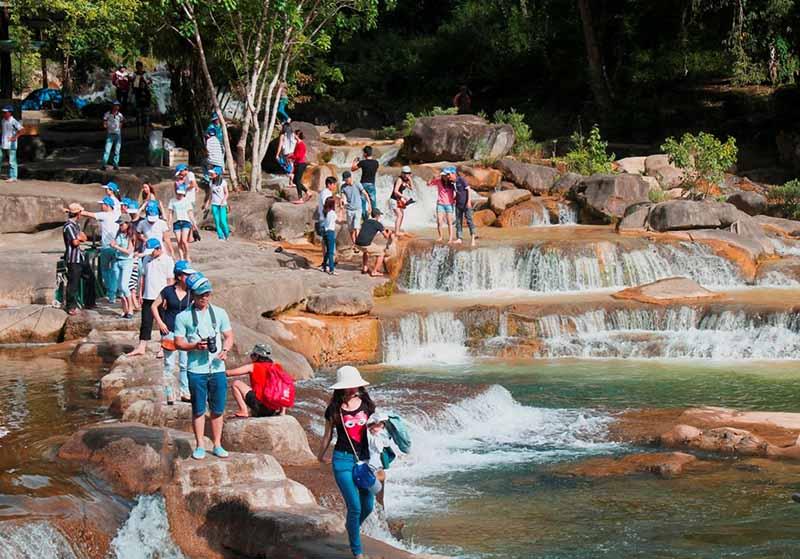 yangbay waterfall nha trang