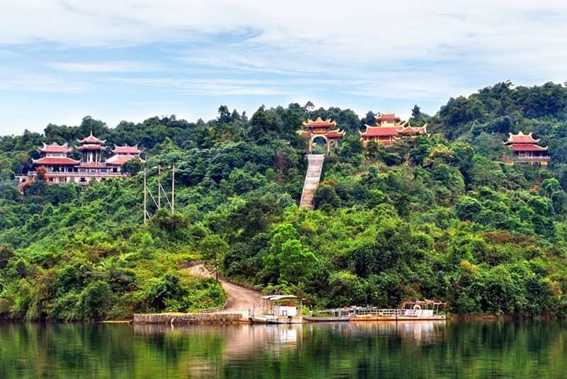 bach ma national park monastery