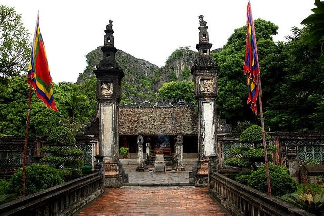 King Dinh temple Hoa Lu