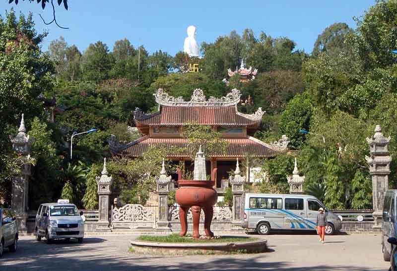 long son pagoda nha trang