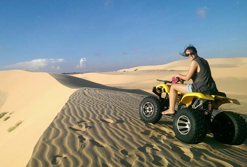 ride jeep in sand dunes mui ne